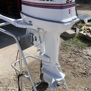 25 Hp Outboard Motor for Sale in Houston, TX