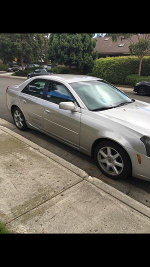 2005 Cadillac clean title just small bumb in front, but rest of car has a good body 👌 for Sale in San Diego, CA