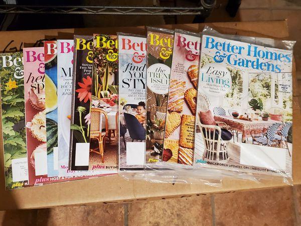LOT OF BETTER HOME & GARDEN MAGAZINES