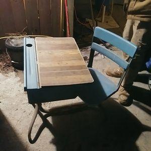 Kids antique school desk for Sale in Lithonia, GA