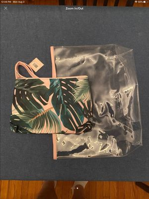 Ulta Beauty clear tote bag new in original packaging has smaller inside tote with tropical palm tree print. NEW NWT perfect for the beach, lake or ou for Sale in Federal Way, WA