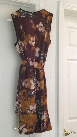 Ivanka trump dresse size 6 for Sale in Chatsworth, CA
