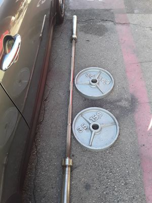 Olympic bar and weights for Sale in Pico Rivera, CA