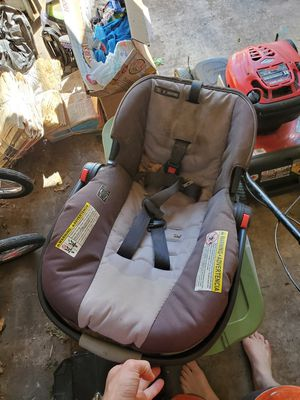 Car seat, with base for Sale in Camp Hill, PA