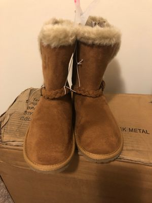 Brand new girls boots size 2 for Sale in Charlotte, NC