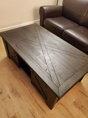 Lift Top Coffee Table for Sale in Fullerton, CA