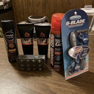 Men's Toiletry Bundle (Shampoo, Deodorant, Razors, Shaving Cream) for Sale in Montclair, CA