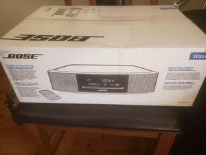 BOSE WAVE RADIO/CD PLAYER for Sale in Portland, OR