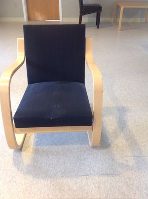 Black chair for Sale in Sudbury, MA