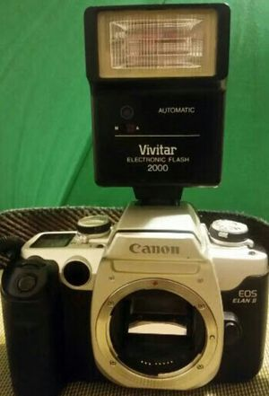 Canon. Elan ll film camera body with flash for Sale in Aurora, CO