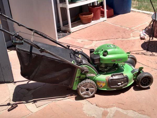 Lawnboy lawnmower runs great