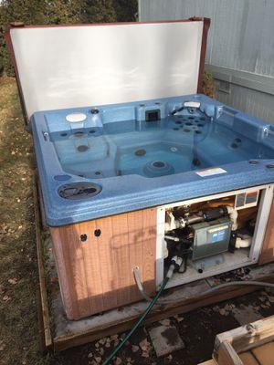 Apollo hot tub. for Sale in Cheney, WA