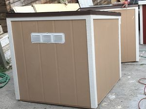Xtra big dog house for Sale in Vernon, CA