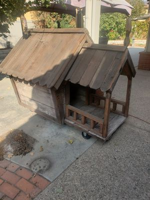 Free Dog house! for Sale in Fontana, CA