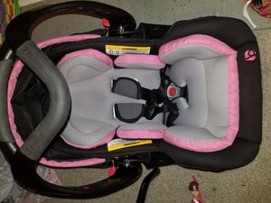 Car seat, carseat base(×2) , and a stroller combo. for Sale in Virginia Beach, VA