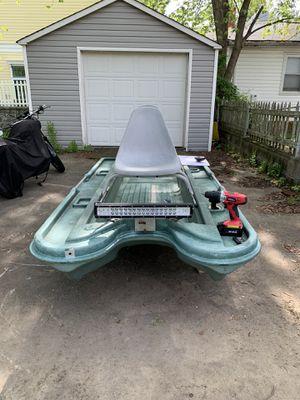 8ft Bass Tracker Boat for Sale in Upper Marlboro, MD