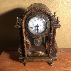 Decorative Mantle Clock for Sale in Las Vegas, NV