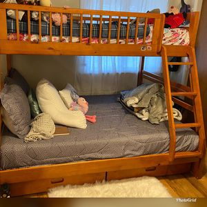 Full And Twin Bunkbed for Sale in SeaTac, WA