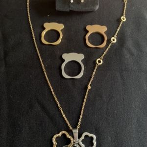 New Set Of Necklace with Pendant, Earrings and 3 Rings (gold , silver and Rose Gold ) for Sale in Hollywood, FL