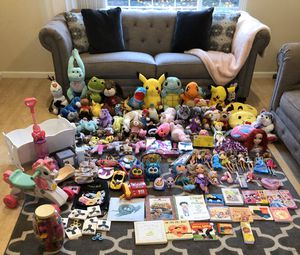 Cleaning out my toddler daughters toy collection, toys, vacuum, books, stuffed animals & more $2 &up for Sale in Fremont, CA