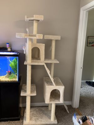 Cat tree for Sale in Alpharetta, GA