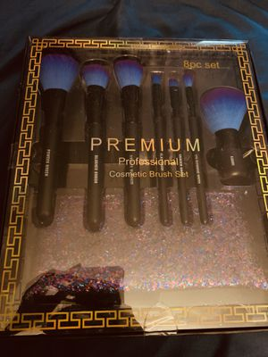 Makeup brush for Sale in Streamwood, IL