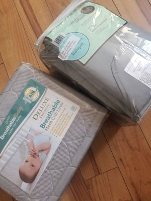 New baby mesh crib liner/crib bumper color grey for Sale in Garrison, MD