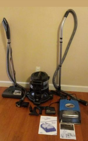 Rainbow vacuum E2 type 12 silver with aquamate & accessories for Sale in Kissimmee, FL