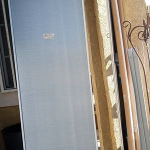 2 Sliding Closet Mirrors (Free) for Sale in Los Angeles, CA