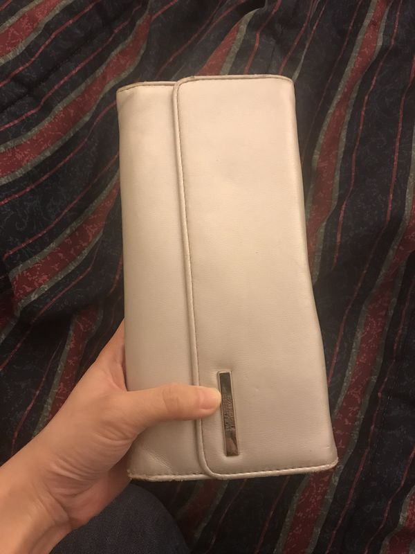 Free used silver Kenneth Cole wallet