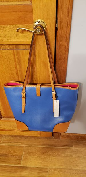 Dooney and Bourke Dover Tote for Sale in Fort Wayne, IN