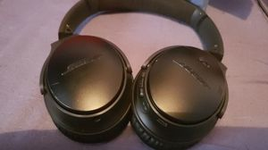 Bose quiet comfort 35 wireless headphones ll for Sale in Pevely, MO