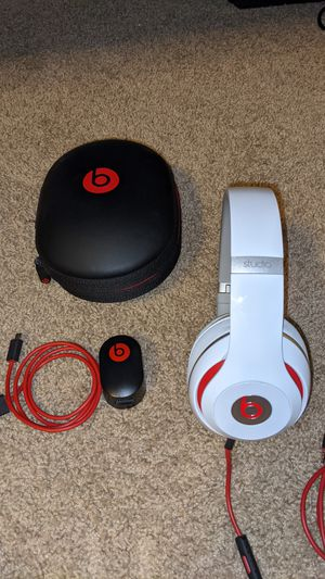 Beats Studio 2.0 - Over the ear, wired, noise cancelling headphones for Sale in Glendale, AZ