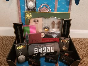 Box of fun Harry Potter collectibles for Sale in Cypress, TX