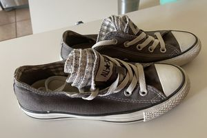 Converse sneakers for Sale in CHAMPIONS GT, FL