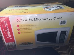 Sunbeam microwave oven for Sale in Hawthorne, CA