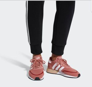 WOMEN'S ADIDAS Ash Pink size 6-7 for Sale in Silver Spring, MD