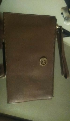 Authentic Micheal kors wristlet purse for Sale in Mesquite, TX