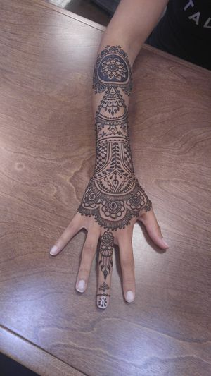 Henna body Art/ temporary tattoo, Mehndi and Bridal, Belly Blessings for Sale in Queen Creek, AZ