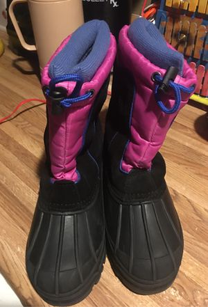 Snow boots size 4 girls for Sale in Phoenix, AZ