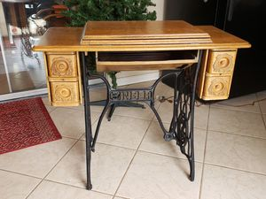 Antique Singer Sewing Table for Sale in Tempe, AZ
