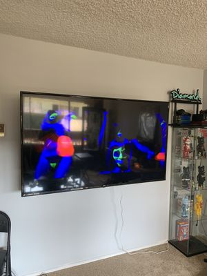 Tv wall mount/ I.s.t.a.l.l.a.t.i.o.n for Sale in Westchester, CA