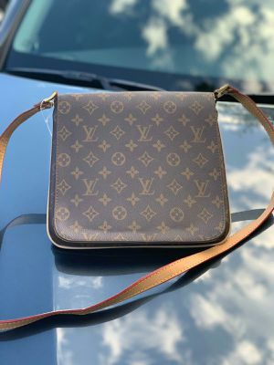 louis vuitton bag for Sale in Annandale, VA