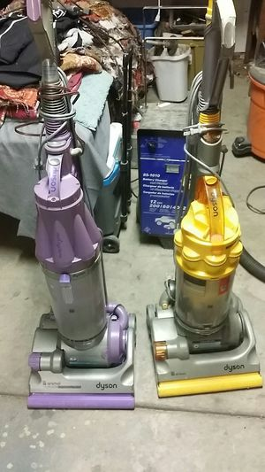 Dyson vacuum for Sale in Kingsburg, CA