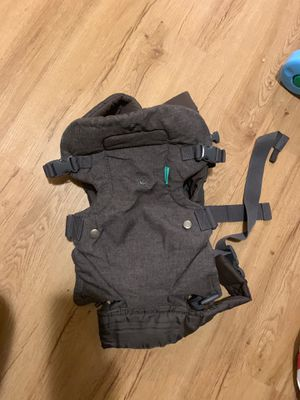 Baby carrier for Sale in Lynwood, CA