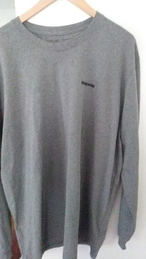 Patagonia xl long sleeve tshirt for Sale in Fairlawn, OH