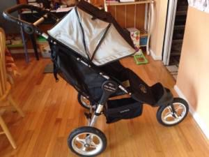 City baby jogger stroller with rain cover for Sale in Alexandria, VA