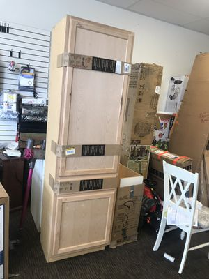 Kitchen pantry cabinet for Sale in Las Vegas, NV