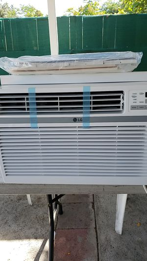 Lg AC model lw1216er for Sale in Los Angeles, CA