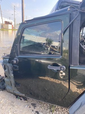 2013 jeep wrangler door front left right tailgate spare tire parts parting out transmission for Sale in Miami, FL